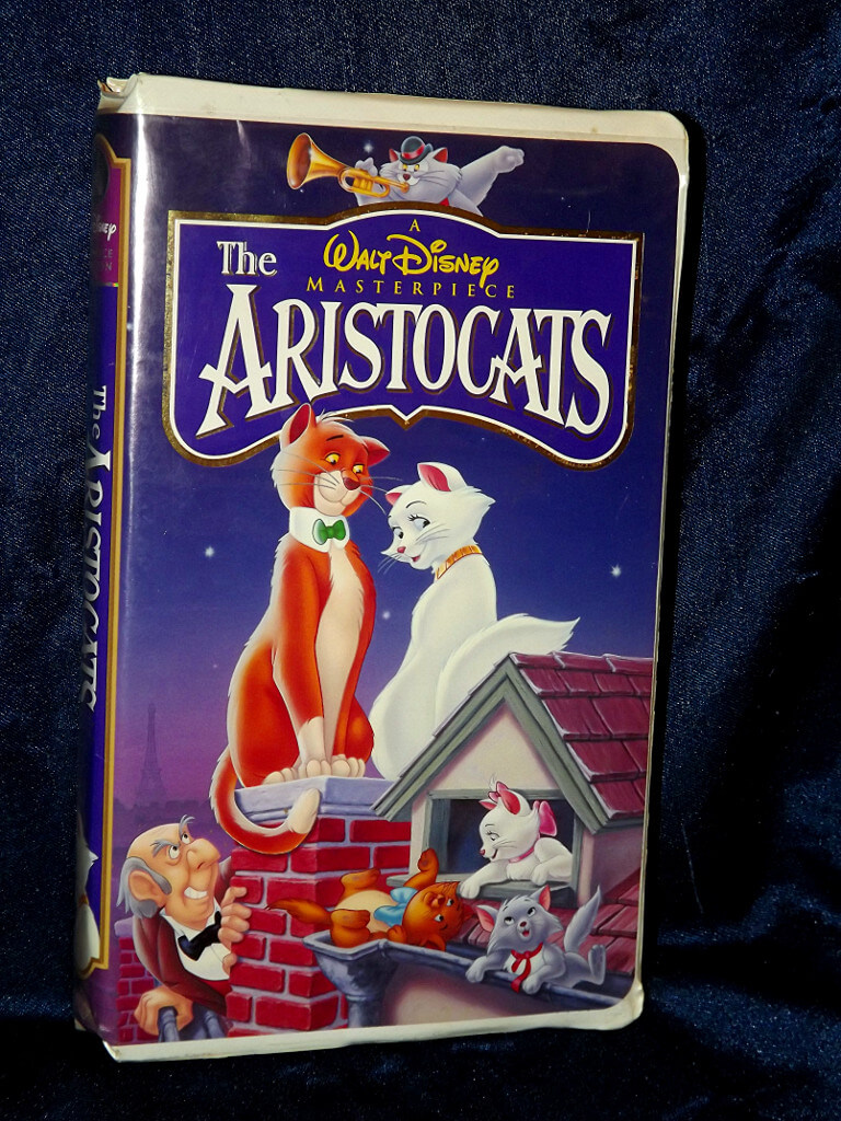 -=Chameleon's Den=- Disney VHS Tape: The Aristocats