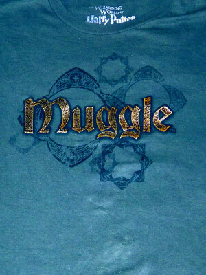 Harry Potter T-Shirt: Muggle (Large)