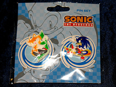 Sonic the Hedgehog Pin Set: Tails at the Beach and Sonic Skateboarding (PVC)