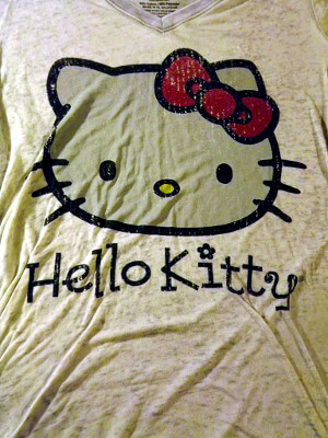 Hello Kitty T-Shirt: Light and Fluffy (Medium)