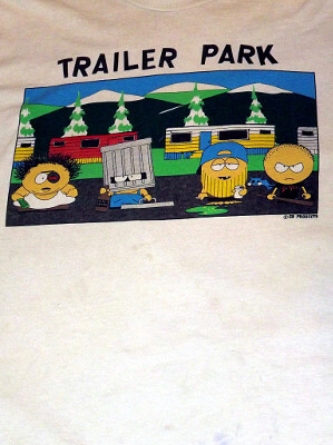South Park T-Shirt: Trailer Park (Extra Large)