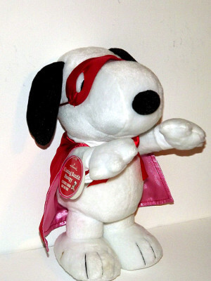 "Peanuts Plushie: 10½"" Snoopy, the Kissing Bandit"